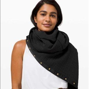 Lululemon vinyasa scarf black quilt